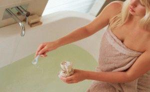 Добавление соли в ванну