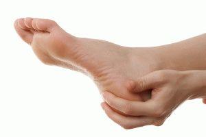 Массирование пятки пальцами