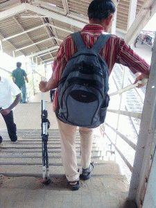 Боль в коленях при спуске с лестницы