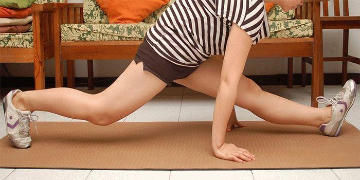 Как правильно раздвинуть ноги женщине
