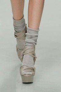 Носки и открытая обувь