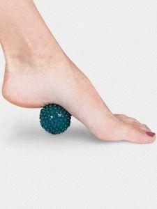 Катание мяча ступнёй