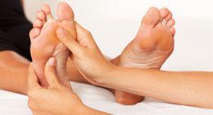 Массирование ступней