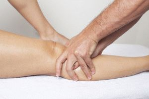 Массаж колена: техника выполнения и особенности