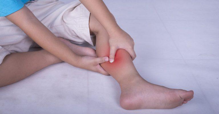 У ребенка болят мышцы ног после температуры