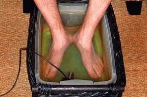 Простейшее лечение боли в пятках в домашних условиях