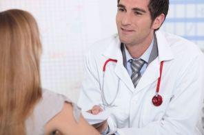 К какому врачу обратиться, если болят ноги