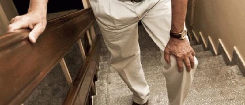 Болезненность в коленном суставе при передвижении по лестнице