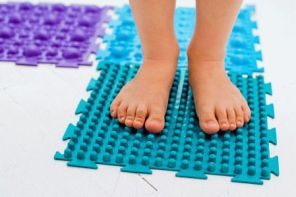 Детские коврики для массажа стоп