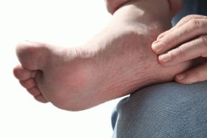 Как вылечить боль в стопе под пальцами при ходьбе