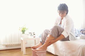 Почему болит колено