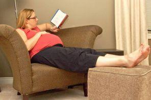 Почему опухают ноги при беременности
