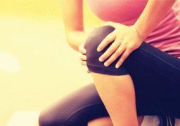 Как вылечить боль в колене при приседании и вставании