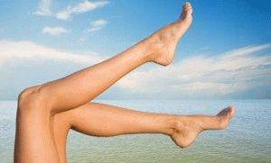 Оголённые ноги летом
