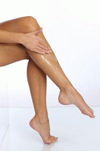 Втирание мази в ноги