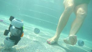 Хождение по дну бассейна