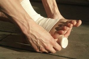 Смена повязки на ступне