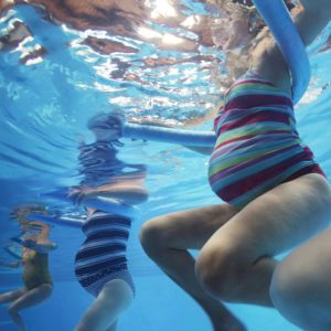 Занятия в воде при беременности